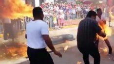 Meksika'da ateşle şov yapan adam alev aldı