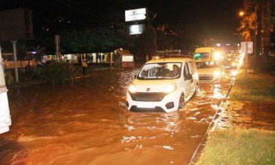 Sağanak yağış yine Bodrum'u vurdu