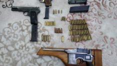 Uşak merkezli 3 ilde silah kaçakçılığı operasyonu