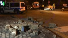 Kontrolden çıkan otomobil polis aracına çarptı