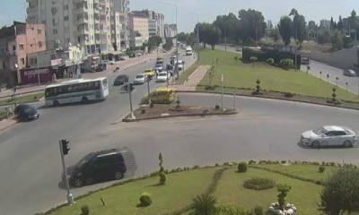 Adana'da kırmızı ışıkta geçen sürücü yayaya çarptı