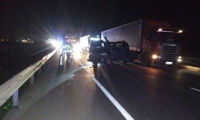 Bursa'da bir araç tıra arkadan çarptı: 2 ölü 1 yaralı