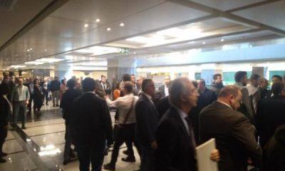 İBB çalıştayında taksici-UBERCİ kavgası