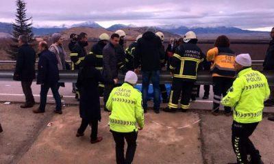 Isparta'da trafik kazası: 16 yaralı