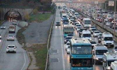 İstanbul'da emniyet şeridine girenler cezadan kaçamadı