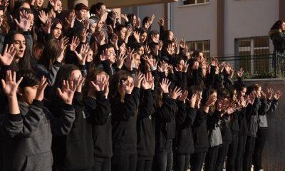 İzmir'de işaret diliyle İstiklal Marşı