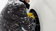 Kayseri'de kar engeli paletli araçlarla aşıldı