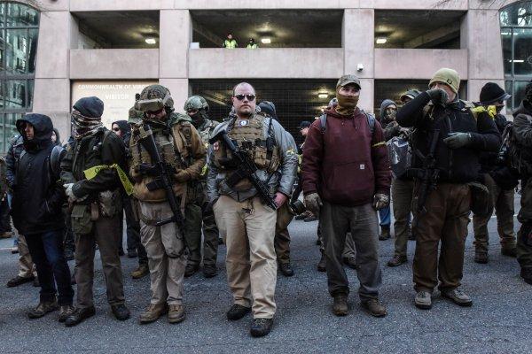 ABD'de yeni silah yasasına karşı halk sokaklarda yürüdü