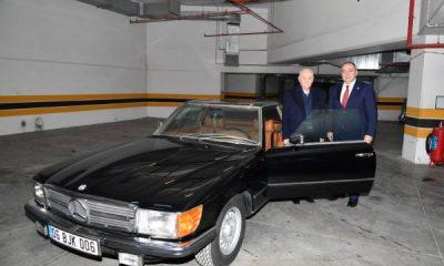 Bahçeli, klasik otomobilini MHP'li vekile hediye etti