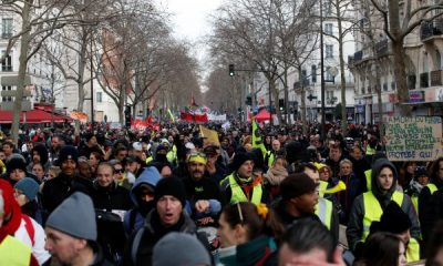 Fransa'da emeklilik reformunda 64 yaştan vazgeçildi