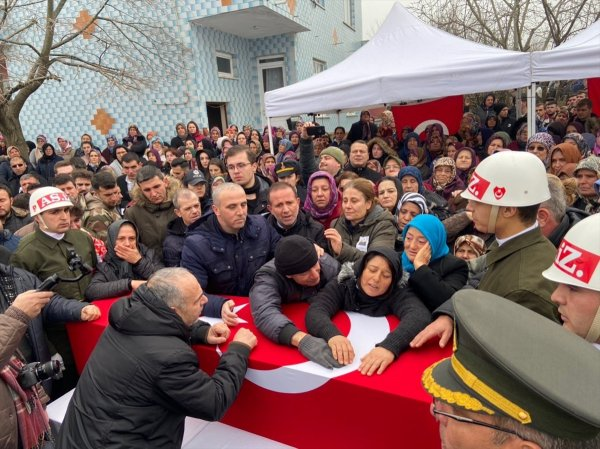 Şehit uzman çavuş, Edirne'de gözyaşlarıyla uğurlandı