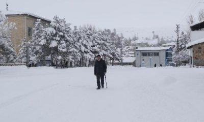 Sivas'ta Kızılırmak dondu