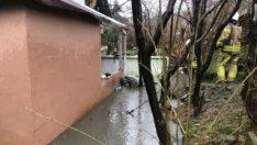 Ümraniye'de sağanak yağış nedeniyle evi su bastı