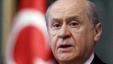 Mustafa Akıncı, onurlu ve şerefli hareket ederek görevinden ayrılsın
