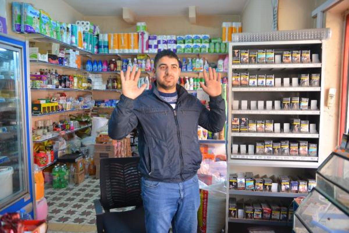 Adana'da maskeli şahıslar marketi gasbetti