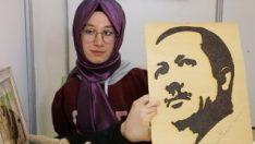 Ayağıyla çizdiği resmi Erdoğan'a hediye etmek istiyor