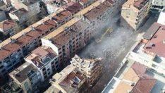 Bağcılar'da riskli binalar yıkılıyor