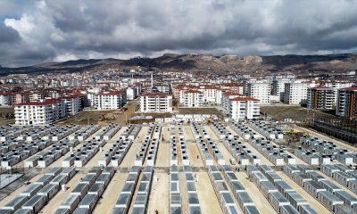 Elazığ'da depremzedeler konteynerlere yerleşmeye başladı