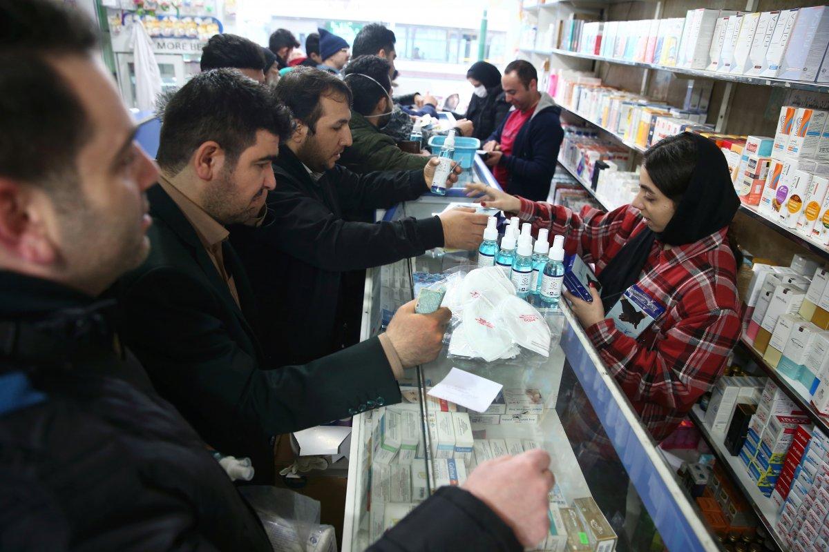 İran'a komşu ülkeler sınır kapılarını kapattı