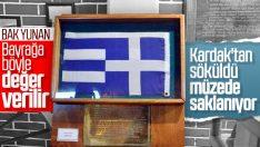 Kardak'tan sökülen Yunan bayrağı müzede