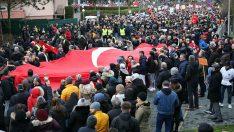Binlerce Türk Almanya sokaklarına döküldü