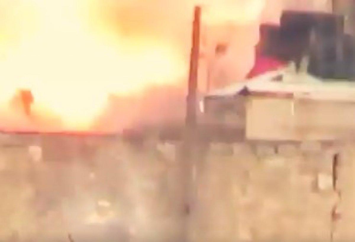 SMO Esad'ın askerlerini havaya uçurdu