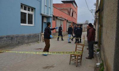 Adana'da işe giderken başından vuruldu