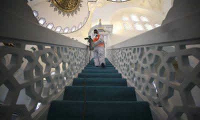 Camiler, koronaya karşı dezenfekte edildi
