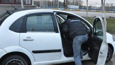 Durdurulan araçtaki kadının iç çamaşırından eroin çıktı!