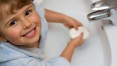 El temizliğinde kokusuz, renksiz ve kalıp sabun kullanın