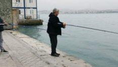 Karaköy sahilinde balık tutma yasağını deldiler