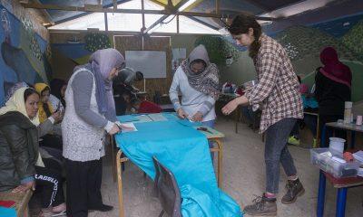 Midilli'de sığınmacılar maske üretiyor