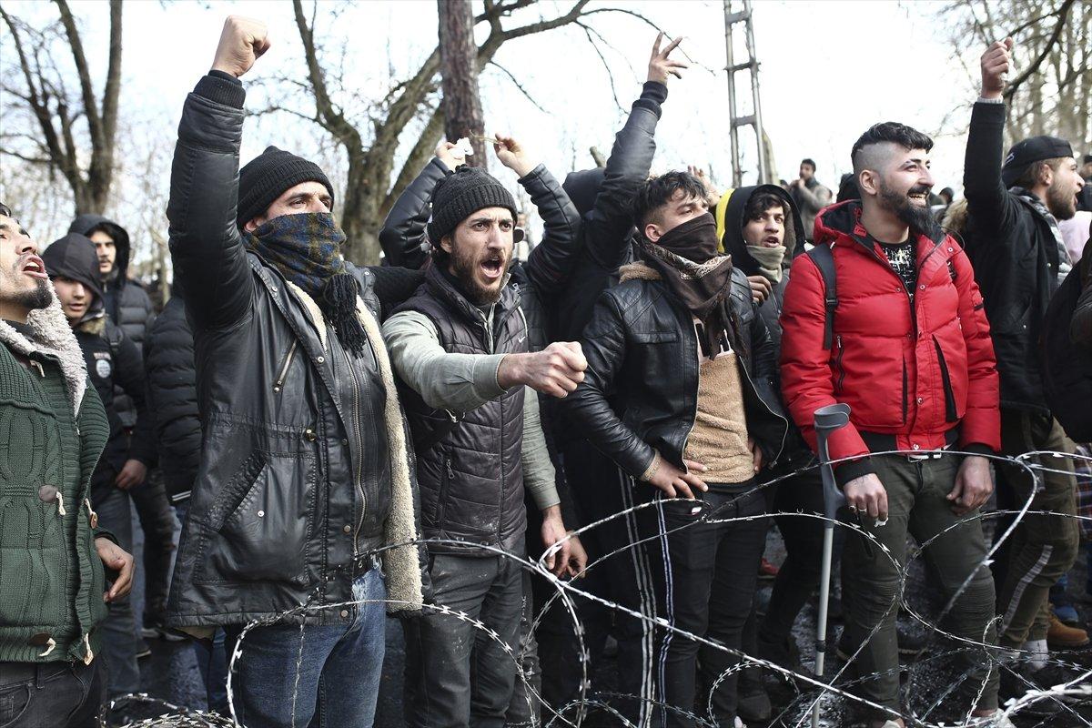 Yunan polisinden mültecilere saldırı