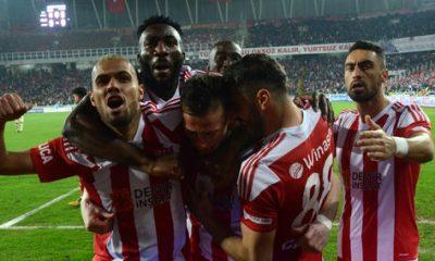 Zirve yolunda çılgın maç; Sivasspor 2-2 Galatasaray