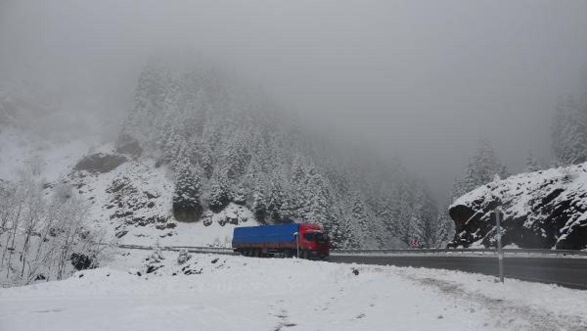 Doğu Karadeniz'in yükseklerinde kar yağışı -7