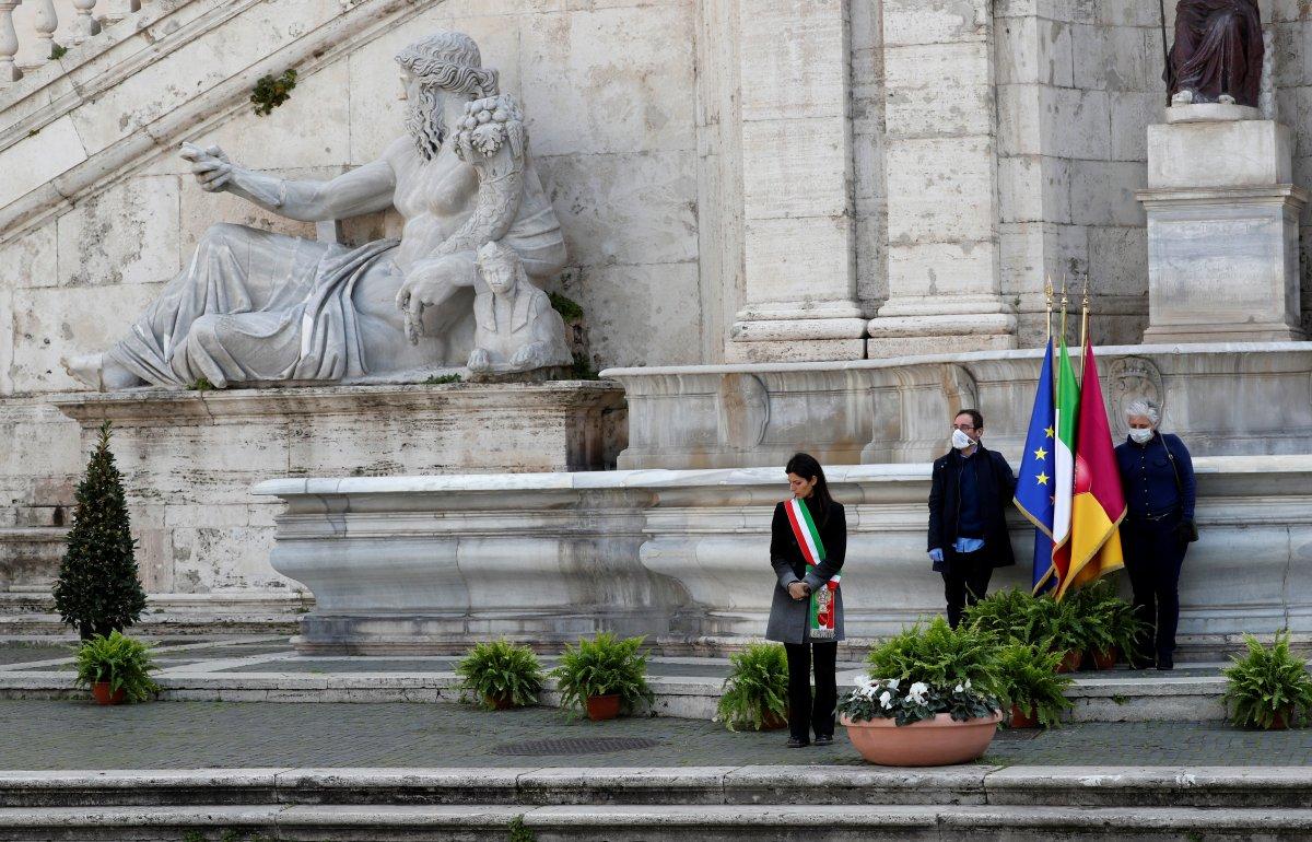 İtalya karantinayı kaldırıyor