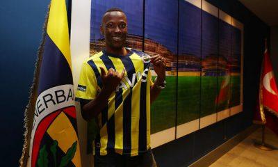 Fenerbahçe'de Mame Thiam transferi açıklandı